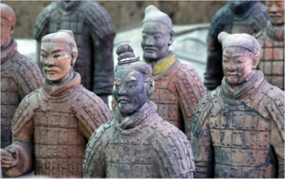 Terracotta warriors, coloured with now-faded Han purple pigment. Source: q-files.com